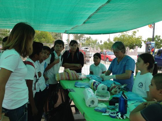Students visiting FVAI clinic in Baja California
