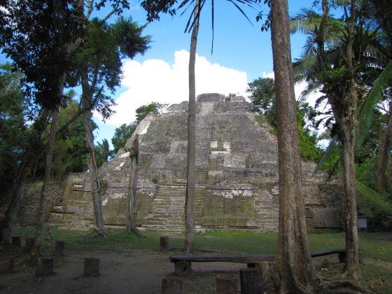 Les ruines mayas de Lamanai au Belize