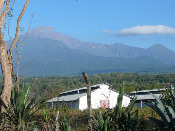 Nous logeons au pied du Mont Meru en Tanzanie