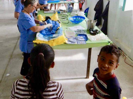 Clinique de la FAVI au centre communautaire de Sarteneja, Belize