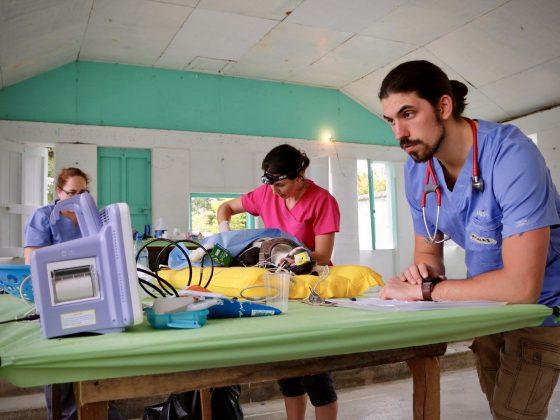 Dr Sylvestre recueille des données afin d'évaluer le protocole d'anesthésie de la FAVI