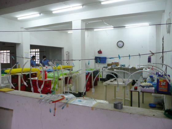 Préparation de la clinique à la Zebra House en Tanzanie
