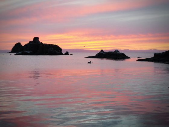 Magnifique coucher de soleil à Espiritu Santo, Baja California