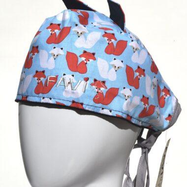 chapeau de chirurgie avec oreilles-renards d'hiver