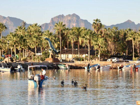 Loreto, Baja California, Mexique. Mer et montagnes.
