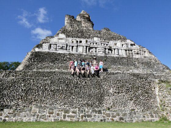 Visite de ruines mayas lors de notre journée de congé au Belize