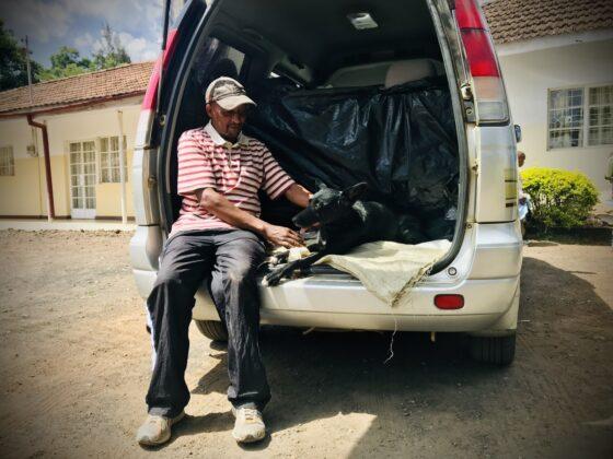 Un propriétaire responsable à la clinique FAVI en Tanzanie