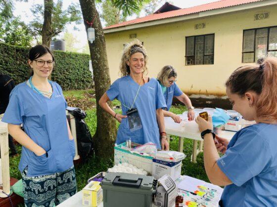 Clinique vétérinaire de la FAVI en Tanzanie