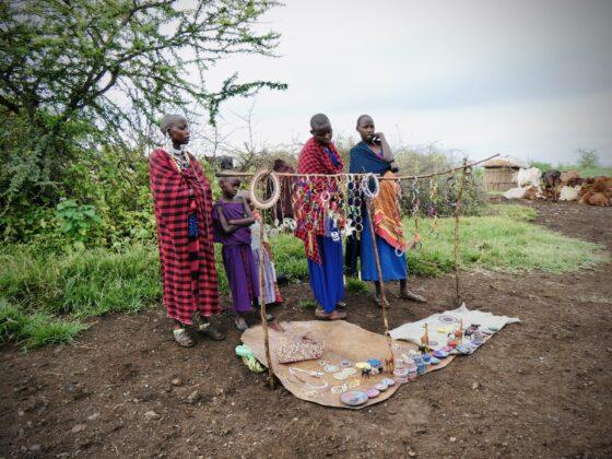 Femmes massaï en Tanzanie, safari FAVI